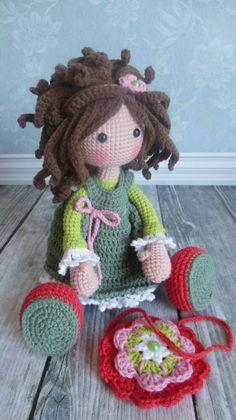 Wunderschöne handgefertigte Puppe zum kuschel,Spielen und lieb haben. Mit direktem Link zum Verkauf. Mit Materialien nach ökotex Standard hergestellt.
