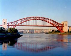 Hell Gate Bridge. 20,000 tons of steel suspended in the air. It is said that it would continue standing for 1,000 years if humans disappeared.