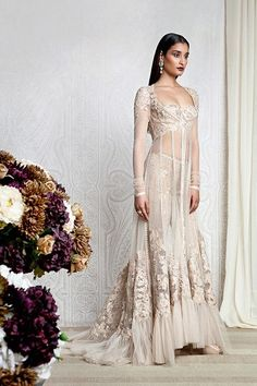 Outfit by:Tarun Tahiliani #bridal #gorgeous #designer