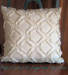 Pillow cover tutorial - This is an awesome idea - thank you, Tiffany!