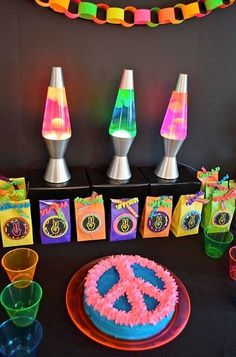 39 Ideas Birthday Party Themes For 2019 Hippie Birthday Party, Hippie Party, 70th Birthday Parties, Birthday Party Invitations, Birthday Ideas, Birthday Cake, Disco Party, Glow Party, 60s Party Themes