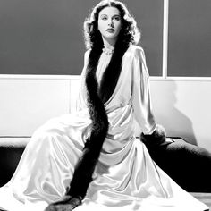 "Hedy Lamarr for ""Come Live With Me"" (1941).♥"