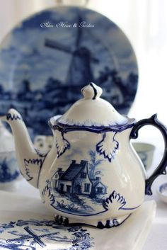 Dutch Blue & White | Aiken House & Gardens | Bloglovin'