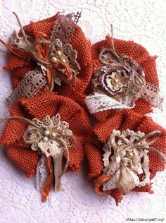 Made to Order/ Set of Pumpkin Spice Burlap Flowers/ Burlap & Lace/ Fall Decor/ Country Chic Decor/ Lampshade Flowers/ Magnetic Flowers Twine Flowers, Cloth Flowers, Felt Flowers, Diy Flowers, Fabric Flowers, Paper Flowers, Flores Shabby Chic, Shabby Chic Flowers, Fabric Flower Brooch