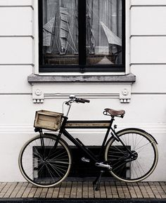 Window in Amsterdam, Netherlands. Cycle Chic, Photocollage, Bike Style, Vintage Bikes, Oh The Places You'll Go, Cool Stuff, Pictures, Image, Beautiful