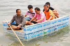 How to Recycle: Recycled Plastic Bottles Boat Recycled Bottles, Recycle Plastic Bottles, Make A Boat, Diy Boat, Reuse Recycle, Rafting, Canoe, Cool Pictures, Funny Pictures