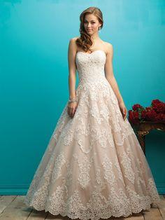 rosa cipria per questo abito da sposa blushpink weddingdress Allure Bridals  available at www.momentisposi 4619c1616a6