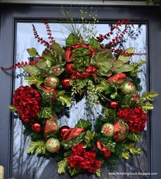 Beautiful Christmas Wreath! (idea: use old ornaments to decorate)
