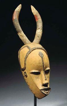 URHOBO MASK African Masks, African Art, Banksy, Cool Masks, Masks Art, African Culture, Ocean Art, Bandeau, Oeuvre D'art