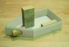 DIY-Anleitung: Betonleuchter selber machen via DaW… Cement Design, Cement Art, Concrete Cement, Concrete Crafts, Concrete Projects, Concrete Garden, Papercrete, Ideias Diy, Diy Clay