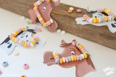 Free Printables. DIY candy horses. You can make these horses  with our Free Printables. Perfect candy treat at a kids birthday party.