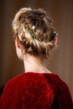 Cabello de Diosa: Flora la doncella de las flores | http://yosoydiosa.com/2017/05/16/belleza-cabello-flora-diosa-flores/