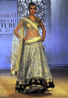 Anju Modi Delhi Couture Week 2011, Indian lehenga, wedding reception lehenga.