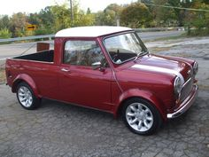 Classic Mini Cooper - more trimmy in general, but this basic trim option is… Classic Trucks, Classic Cars, Vintage Cars, Antique Cars, Austin Cars, Automobile, Old Pickup Trucks, Mini Clubman, Mini Trucks