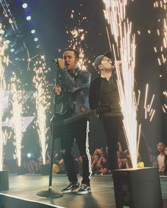 Pete Wentz and Patrick Stump Fall Out Boy 2017, Emo Bands, Music Bands, Save Rock And Roll, Hollywood Undead, Patrick Stump, Band Pictures, Pete Wentz, This Is A Book