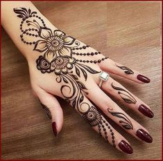 Simple Mehndi Design Images Gallery - Simple Mehndi Designs for Hands Images Easy to Draw for Beginner. new mehndi design that suitable for beginner Henna Flower Designs, Henna Tattoo Designs Simple, Finger Henna Designs, Henna Art Designs, Mehndi Designs For Beginners, Modern Mehndi Designs, Mehndi Design Photos, Mehndi Designs For Fingers, Beautiful Mehndi Design