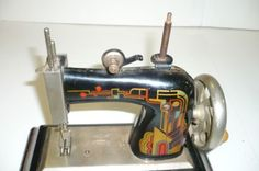 Casige 1470 Child's Sewing Machine Metal Hand Crank Deco Germany