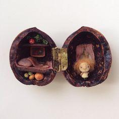 «А вот кто. Опытный образец, петли пока кривые, не судите строго #miniature #wood #artdoll»