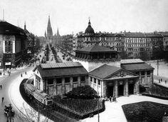 Kaiser Wilhelm Memorial Church from Wittenbergplatz, 1920s | Photograph: Max Missmann