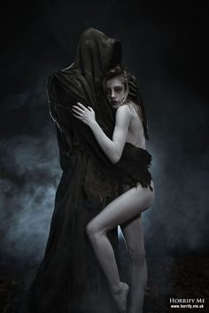 Death and the Maiden 12 - The First Seduction - Horrify Me, horror photography and portraits www. Horror Photography, Dark Photography, Arte Horror, Horror Art, Dark Fantasy Art, Dark Art, Fantasy Story, Satanic Art, Dark Love