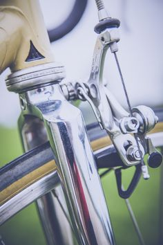 Vintage Racing Bike Brake// 1000+ FREE CC0 images for you next commercial project. Authentic unstock/non-stock imagery. //#designer #developer #blogger #freephotos #free #creative #ffcu #freeforall #freeforyou #freeforuseofpublic #freeforpersonaluse #cc #creativecommons #stock #stockimages #bloggers #digitalagency