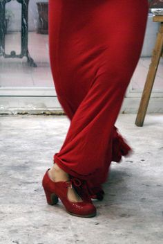 Flamenco Tip of the month #2 - Dress like a dancer. Full details on https://www.facebook.com/ambienteflamenco?ref=hl