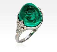 EMERALD AND DIAMOND RING, FRANCE, CIRCA 1920