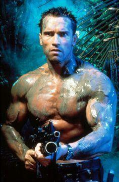 "Major Alan ""Dutch"" Schaefer (Arnold Schwarzenegger) from the 1987 action/sci-fi blockbuster, ""Predator. Arnold Schwarzenegger Predator, Patrick Schwarzenegger, Predator Movie, Predator Alien, Fitness Gym, Fitness Motivation, Lifting Motivation, Health Fitness, Man In Black"
