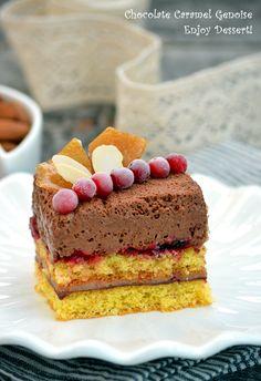 Genoise with caramel and chocolate mousse. Dark Chocolate Mousse, Chocolate Caramels, Creme Caramel, Something Sweet, Beautiful Cakes, Yummy Cakes, No Bake Cake, Cheesecake, Deserts
