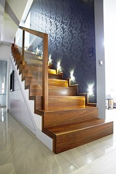 Concrete stairs design woods 23 New ideas Wooden Staircase Railing, Rustic Stairs, Stair Railing Design, Home Stairs Design, Stair Decor, Wooden Stairs, Interior Stairs, Modern Staircase, Railing Ideas