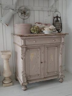 The Shabby chic style is a more interesting style. Description from 1decor.net. I searched for this on bing.com/images