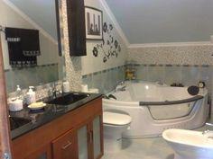 Chalet en Nates (Cantabria) con capacidad hasta 10 personas, con jacuzzi, baño de hidromasaje y ducha de hidromasaje. ¡No le falta nada!