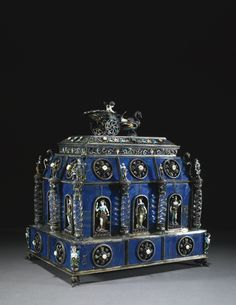 Antique vintage lapis lazuli & rock crystal casket /box with jewelled & enamelled silver mounts, Hermann Böhm, Vienna, late century Jewellery Boxes, Silver Jewellery, Antique Boxes, Himmelblau, Pretty Box, Bronze, Objet D'art, Treasure Boxes, Jewel Box