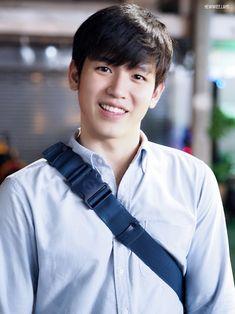 Asian Boys, Asian Men, Drama Series, Tv Series, Cute Gay Couples, Thai Drama, Cute Gif, Korean Drama, How To Look Better