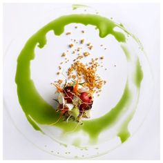 1,366 mentions J'aime, 3 commentaires – FOUR Food - Lifestyle (@four_magazine) sur Instagram : «Beautifully presented dish, simply entitled Avocado, by @emmanuelstroobant Chef Stroobant combines…»
