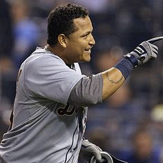 Miguel Cabrera homers and collects four hits as the Tigers clinch their second straight AL Central division. (AP)
