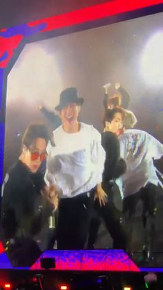 Friend : Why can't you just leave BTS Me : I can't Friend : Why? Bts Taehyung, Bts Bangtan Boy, Bts Jimin, Bts Video, Foto E Video, Bts Memes, Kpop Gifs, Bts Funny Videos, Bts Edits