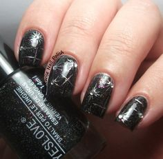 The Clockwise Nail Polish: New Year's Eve Nail Art Ideas