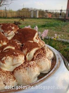 Profiteroles, Mini Desserts, Delicious Desserts, Tiramisu, Sicilian Recipes, Cake & Co, Getting Hungry, Brownie Cake, Cake Designs