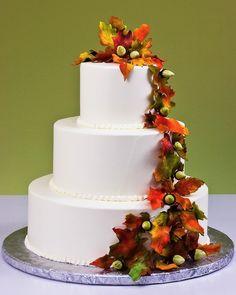 Acorns & Leaves Cake