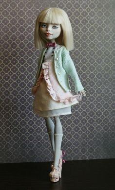 http://mkmiec.deviantart.com/art/Layla-dress-411141423