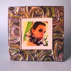 HANDCRAFTED FOIL FRAME: Make this beautiful frame from tin foil.