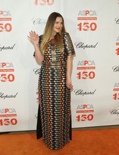 Pin for Later: Drew Barrymore Just Paid Fashion Homage to Kate Middleton in This Stunning Dress