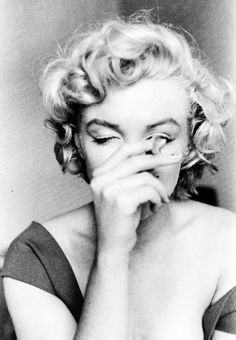 Marilyn Monroe by Jock Carroll, 1952.