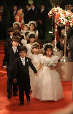 http://www.noivasdobrasil.com.br/casamentos-reais/casamento-maria-eduarda-e-paulo/