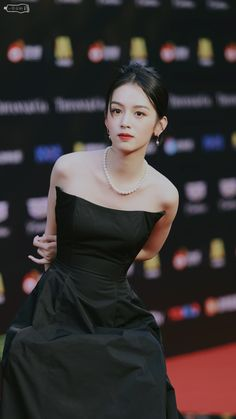 Chinese Actress, Ulzzang Girl, Pretty Woman, Kpop Girls, Asian Beauty, Evening Gowns, Actors & Actresses, Female, Princess