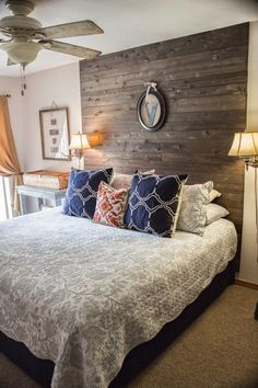 Pallet Headboard via Pinterest