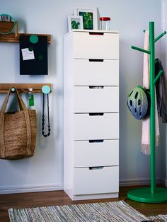 Browse our range of hallway furniture & ideas for decorating your hallway at IKEA. Find clever storage solutions online or visit your local IKEA store. Ikea Ps 2014, Ikea Living Room Furniture, Hallway Furniture, Home Furniture, Ikea Design, Hat And Coat Stand, Coat Stands, Entrada Ikea, Nordli Ikea