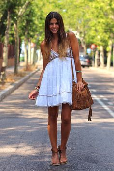 trendy_taste-look-outfit-street_style-leather_bag-fringed_bag-transparent_bag-metacrilato-bolso_cristal-bolso_transparente-plastico-the_code-bolso_flecos-bolso_piel-polaroid by Trendy Taste, via Flickr
