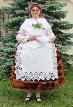 Folklor Brněnska - Fotoalbum - kroj ze Šlapanic - kroj ze Šlapanic - foto Czech Republic, Victorian, Dresses, Design, Fashion, Photograph Album, Vestidos, Moda, La Mode